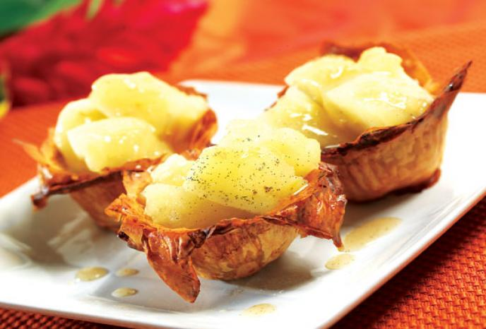 Sake and Ginger Poached Apples in Crisp Phyllo Cups | Foodland